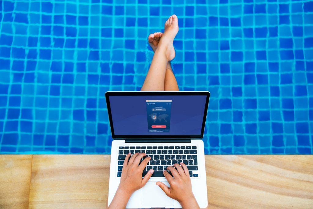 Airbnb Wi-Fi poolside